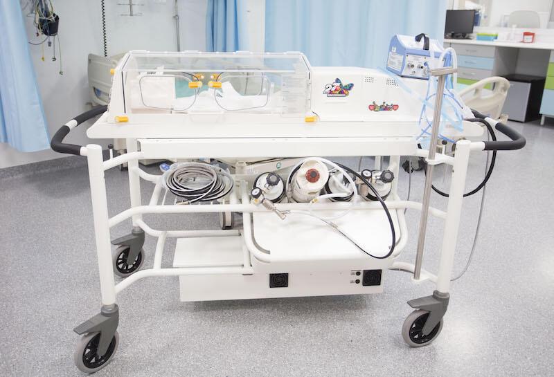 Inkubator jest mobilny, utrzymuje stałą temperaturę