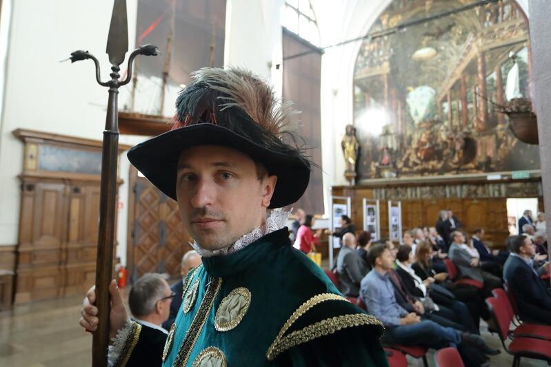 Co mogliby myśleć nasi poprzednicy dokonując doboru cnót umieszczonych na Złotej Bramie i co z tego dziedzictwa jest dla nas ważne także dzisiaj - zastanawia się Paweł Paniec w cyklu wykładów `Gdańsk i jego wartości`.