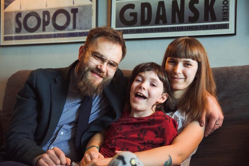 Tomasz, Borys i Katarzyna Grybek. Na zdjęciu brak jeszcze młodszej siostry Bohatera Borysa - Grety