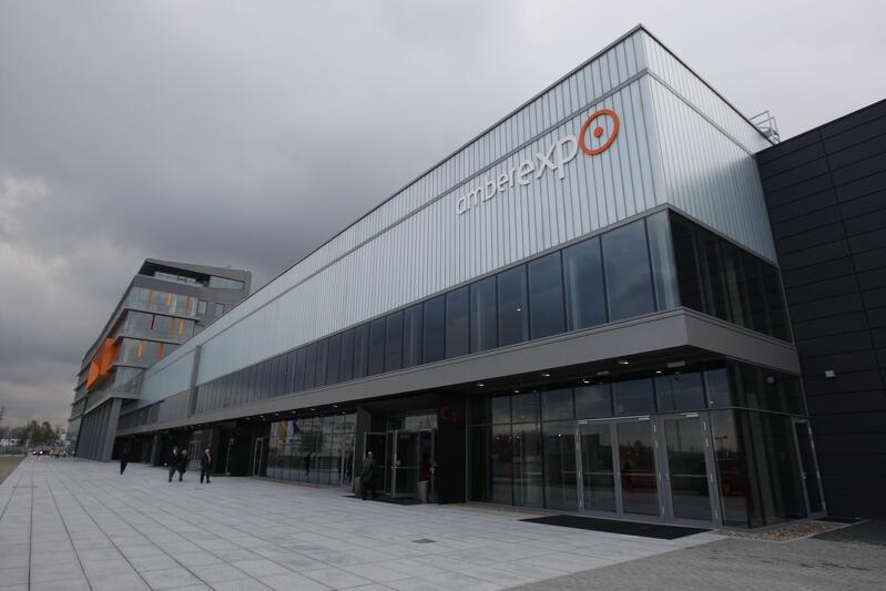 Gmach AmberExpo jest nowoczesnym centrum wystawienniczo-konferencyjnym, które znajduje się w Letnicy, nieopodal Stadionu Energa Gdańsk