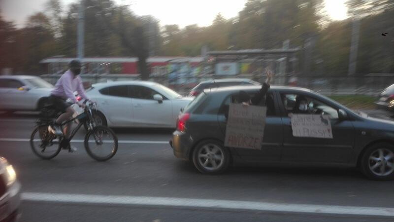 Protestujący jadą w stronę Gdyni