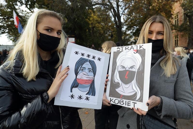 Kobiety i mężczyźni ponownie wyjdą lub wyjadą dziś na gdańskie ulice, by wyrazić swój protest wobec zaostrzenia prawa antyaborcyjnego w Polsce