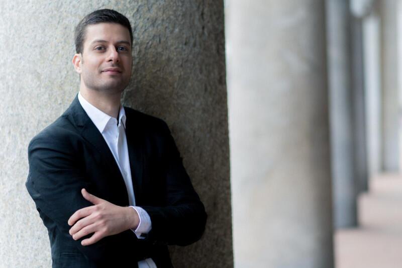 15. edycję Festiwalu Goldbergowskiego zainauguruje Andrea Buccarella - włoski klawesynista, organista i dyrygent, uznawany za jednego z najbardziej cenionych muzyków swojej generacji, specjalizujących się w wykonawstwie muzyki dawnej