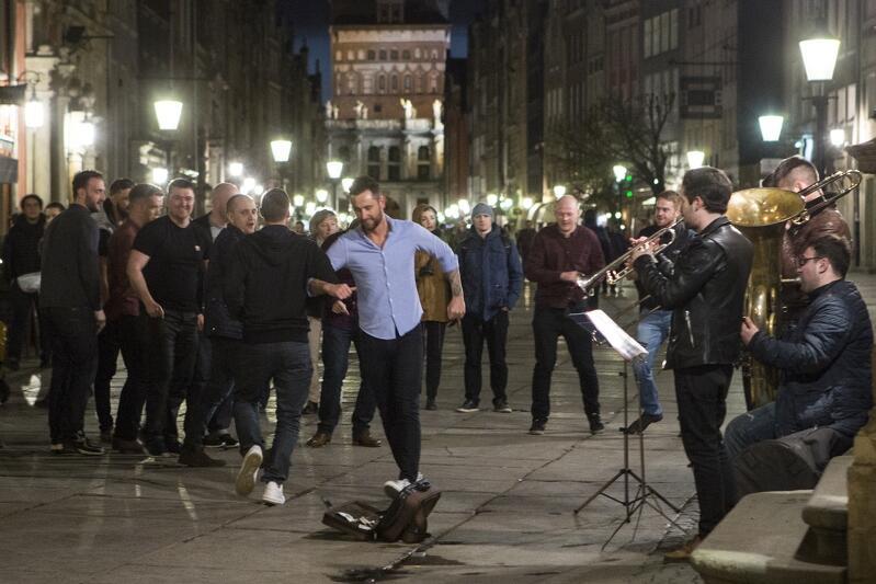 Złota Brama to jedno z ulubionych miejsc muzyków w Śródmieściu