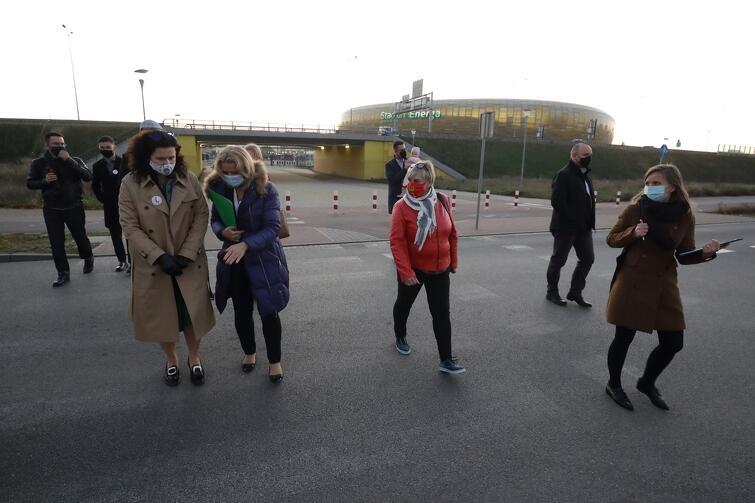 3 listopada odbył się kolejny dzielnicowy spacer z udziałem radnych i prezydent Gdańska. Tym razem w Letnicy