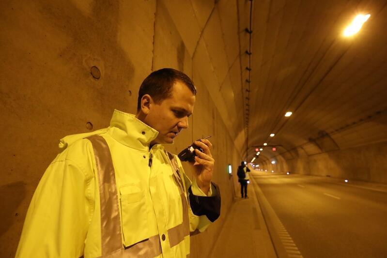 Jednym z priorytetów władz samorządowych Gdańska jest dbałość o bezpieczeństwo użytkowników tunelu pod Martwą Wisłą - dlatego nie oszczędzano na instalacjach przeciwpożarowych. W tunelu regularnie organizowane są ćwiczenia służb ratowniczych. Nz. uczestnicy ćwiczeń obronnych IMPAS we wrześniu 2019 r.