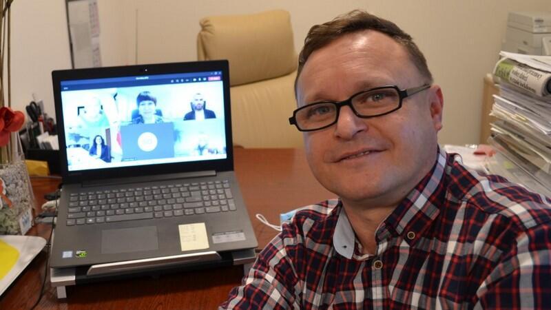 Tomasz Kosidło otrzymał nagrodę Złotej Malwy 2020 podczas gali online