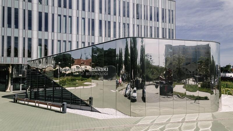 Siedziba Międzyuczelnianego Wydziału Biotechnologii Uniwersytetu Gdańskiego i Gdańskiego Uniwersytetu Medycznego - Instytut Biotechnologii UG