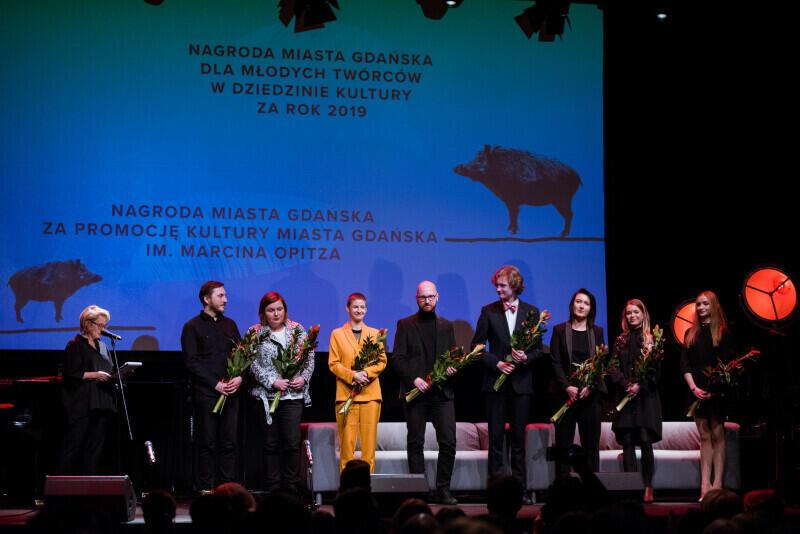W tym roku przypada 21. edycja wręczenia Nagrody Miasta Gdańska dla Młodych Twórców w Dziedzinie Kultury - wyróżnienia, które ma podkreślić działalność artystów młodego pokolenia, zarówno tych, którzy już zostali zauważeni, jak i tych, którzy tego wyróżnienia potrzebują. Nz. ubiegłoroczni laureaci