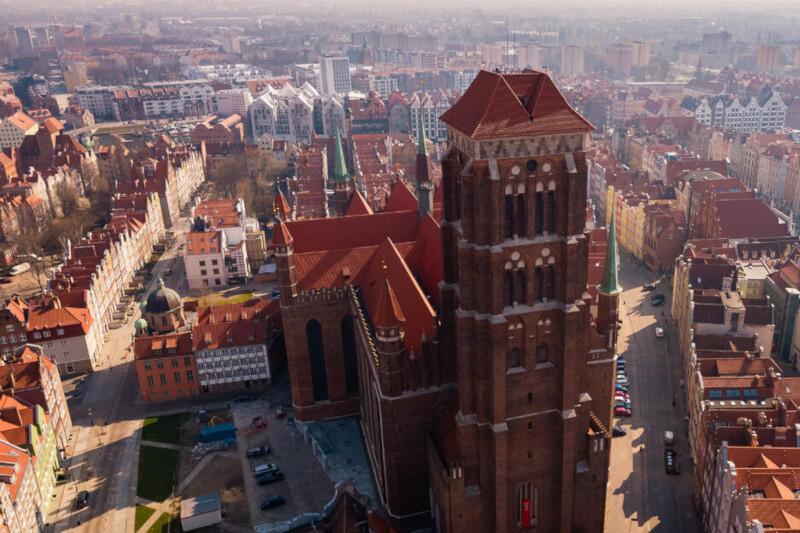 Śródmieście to jedna z najbardziej reprezentacyjnych dzielnic Gdańska, którą zachwycają się turyści z całego świata. A jakie są potrzeby i problemy mieszkańców? Anonimowa ankieta internetowa pozwoli wyjść naprzeciw ich oczekiwaniom