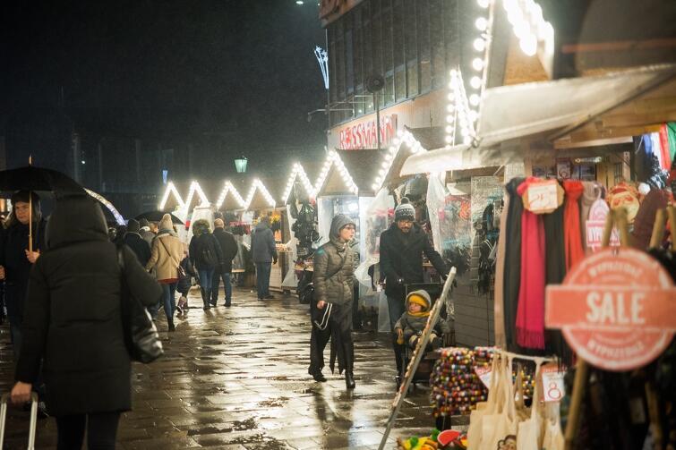 Za pośrednictwem strony www.bozonarodzeniowy.pl zaprezentuje się aż 56 lokalnych wystawców