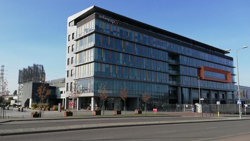 Siedziba Międzynarodowych Targów Gdańskich AmberExpo znajduje się przy ul. Żaglowej