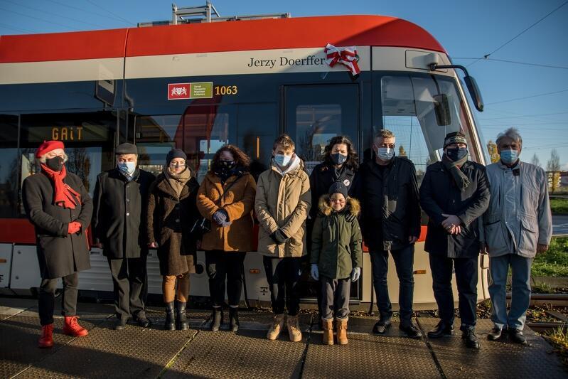 Uroczystośc nadania imienia prof. Jerzego Doerffera gdańskiemu tramwajowi