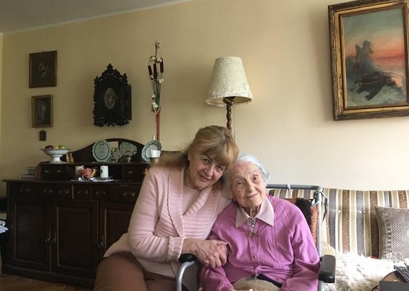 Czerwiec 2019 - Kalina Łukaszewicz w objęciach córki Alicji Matusiewicz
