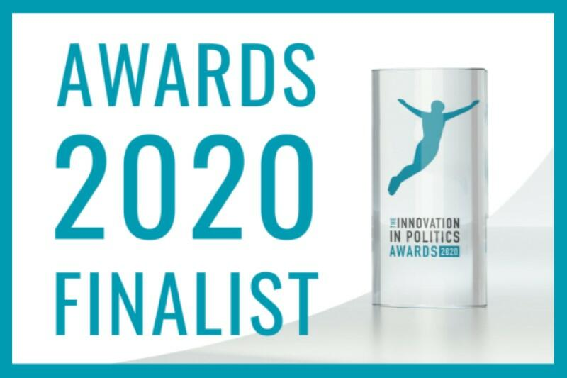 Baner promocyjny z napisem Awards 2020 Finalist