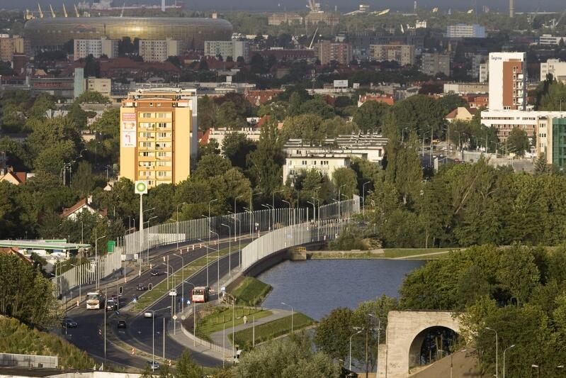 Panorama Gdańska widziana z Niedźwiednika - z tej perspektywy widać co najmniej cztery dzielnice: Wrzeszcz Górny, Wrzeszcz Dolny, Letnicę i Nowy Port