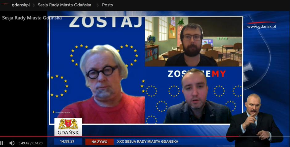 Listopadowa sesja także odbyła się w trybie zdalnym. Na zdjęciu (z lewej) radny WdG Andrzej Stelmasiewicz, w górnym okienku - radny PiS Przemysław Malak, a w dolnym okienku - radny KO Karol Ważny