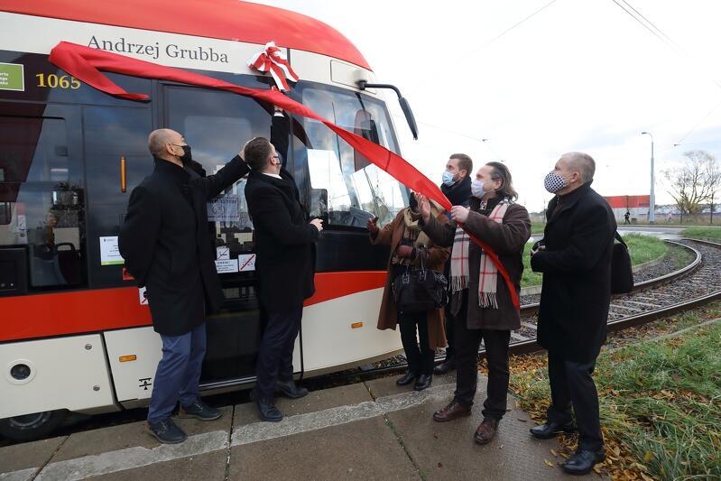 Pętla tramwajowa Chełm. Ceremonia nadania imienia Andrzeja Grubby gdańskiemu tramwajowi