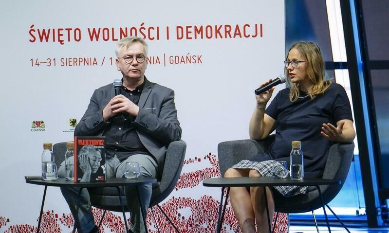 Autorzy reporterskiej książki Dorota Karaś i Marek Sterlingow