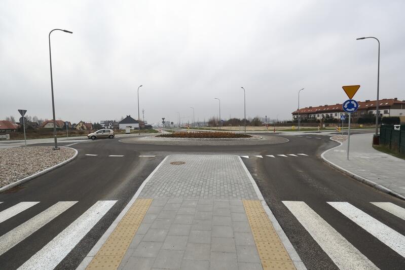Na ulicach Koziorożca i Zeusa zbudowano kanalizację deszczową, a przy okazji także nowe jezdnie