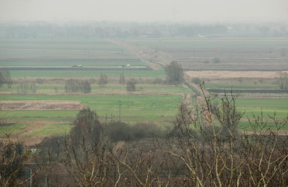 Na wzniesieniu w pobliżu cmentarza Sanktuarium Św. Wojciecha i ul. Kątowej zobaczyć można też Żuławy