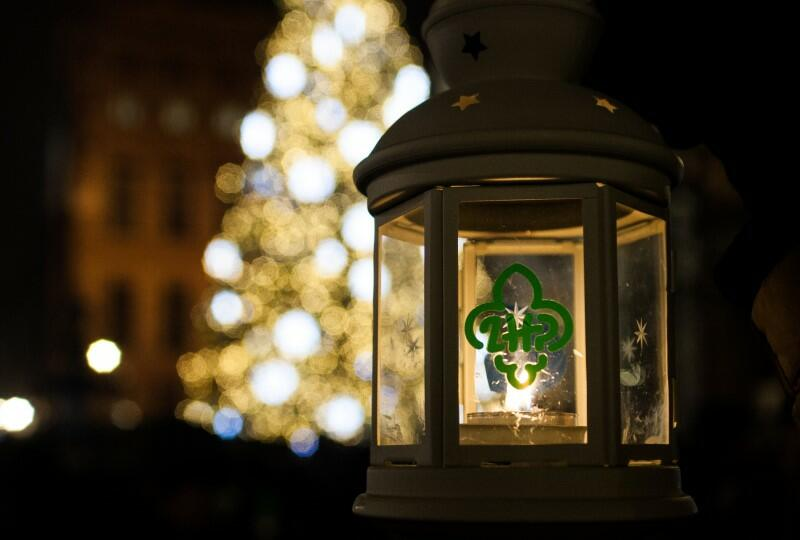 Od płomienia z Groty Narodzenia Pańskiego w Betlejem, zapalane są świece Caritas. Do Gdańska