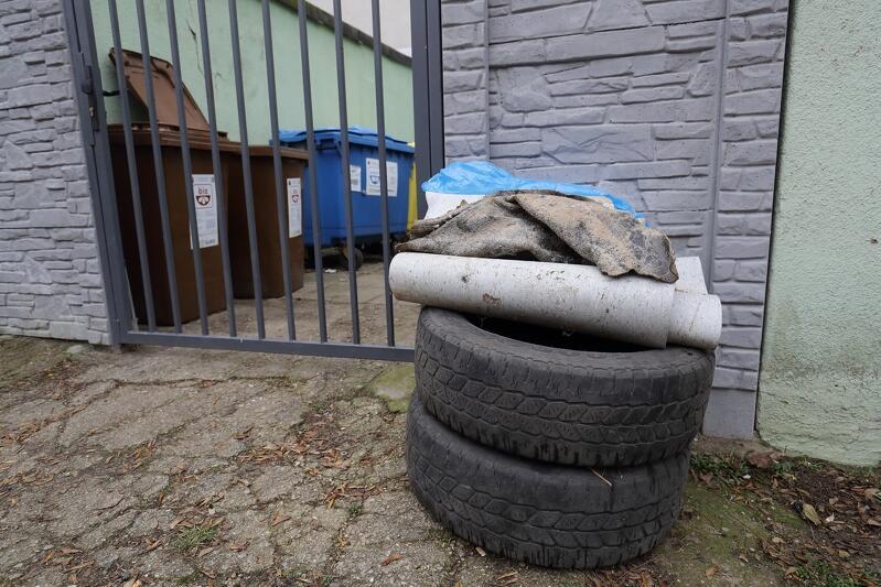 Odpady gabarytowe - jedne z bardziej kłopotliwych w rozpoznaniu. Widoczne na zdjęciu wybrano prawidłowo, pamiętać trzeba, że lodówka czy telewizor to nie `gabaryt` lecz `elektrośmieć`