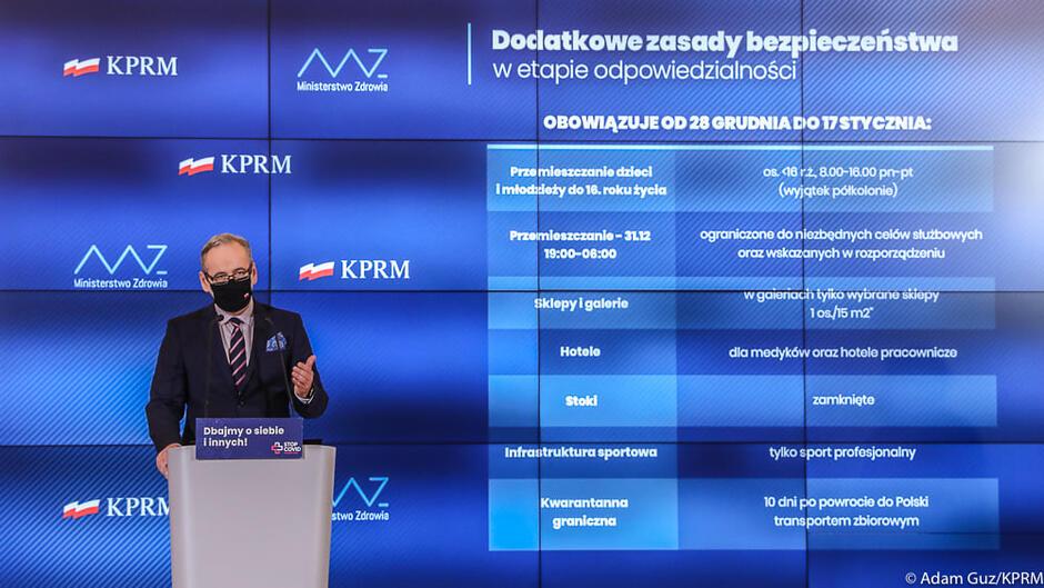 Minister zdrowia Adam Niedzielski ogłasza nowe obostrzenia