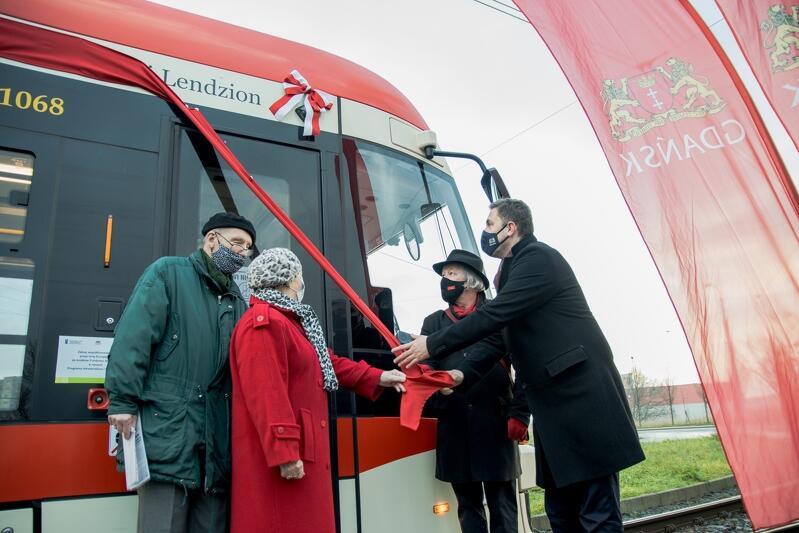 Pętla tramwajowa Gdańsk Chełm. Uroczystość nadania imienia Antoniego Lendziona gdańskiemu tramwajowi