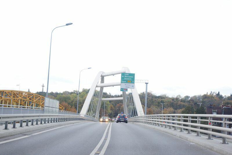Budowa pierwszego etapu Nowej Wałowej zakończyła się w maju 2014 roku. W ramach inwestycji wykonano odcinek o długości ok. 1,2 km, 200-metrową estakadę i 67-metrowy wiadukt