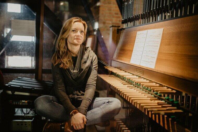 Koncerty carillonowe, których organizatorem jest Muzeum Gdańska, cieszą się dużą popularnością. Prowadzi je Monika Kaźmierczak, miejska carillonistka, którą najczęściej możemy podziwiać przy nietypowym instrumencie