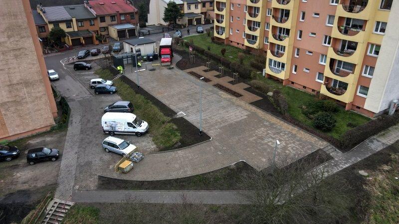 Zakończono budowę miejsc postojowych pomiędzy blokami przy ul. Leśna Góra