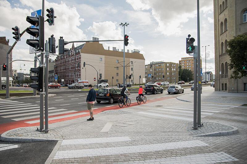 Podwale Przedmiejskie na wysokości nowego przejścia dla pieszych przy ul. Łąkowej