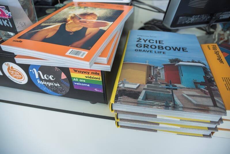 Część wystawy tytułów w kultowej księgarni Sztuka wyboru , która funkcjonuje w Garnizonie we Wrzeszczu