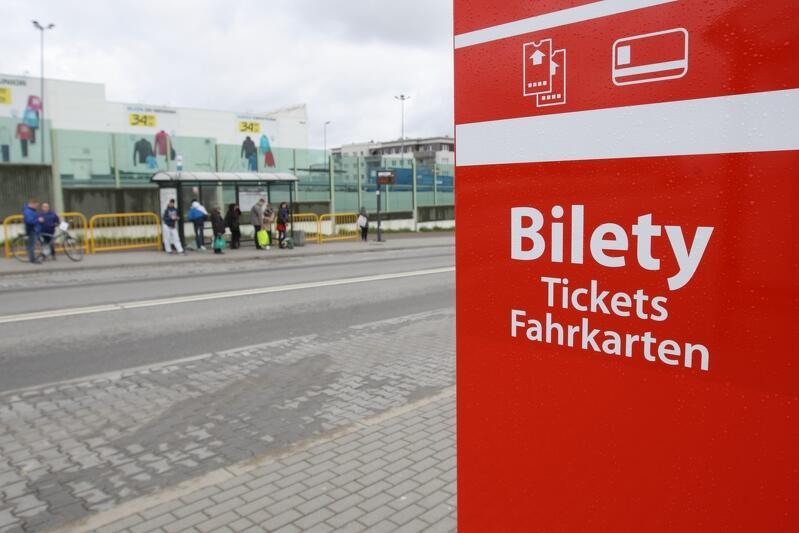 Jeden ze 105 biletomatów, z których skorzystać można obecnie w Gdańsku przy ul. Szczęśliwej