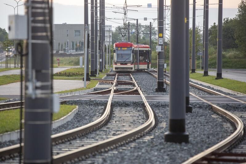 Pierwszy regularny kurs przedłużonej linii tramwajowej nr 12 na odcinku węzeł Ujeścisko - al. Adamowicza - ul. Bulońska, 30 czerwca 2020