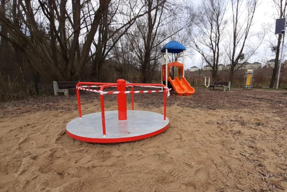 Na placu zabaw przy zbiorniku Świętokrzyska II  pojawiła się karuzela tarczowa