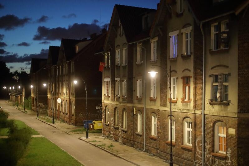 Ul. Kolejowa - tutaj oświetlenie w ramach programu Jaśniejszy Gdańsk pojawiło się w 2019 roku