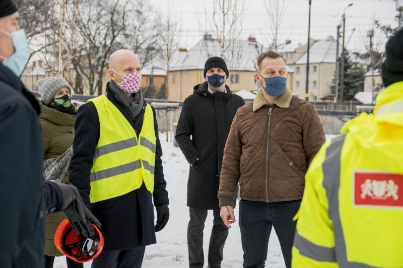 Prezydent Alan Aleksandrowicz ocenił pozostałe elementy inwestycji - skwer przy ul. Gościnnej i skwer przy ul. Związkowej
