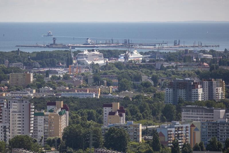 Widok na port gdański (zdjęcie ilustracyjne)