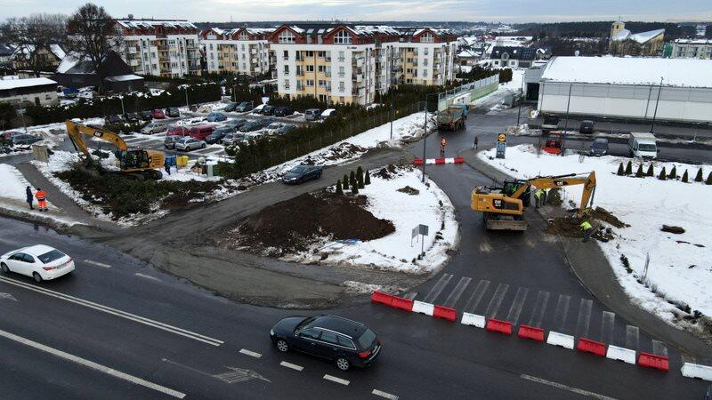 Mija piąty miesiąc prac związanych z rozbudową ul. Kartuskiej. Inwestycja zakończy się pod koniec bieżącego roku