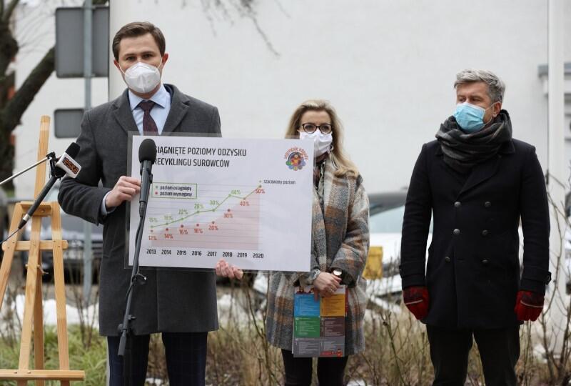 - Pracujemy, aby poziom recyklingu regularnie wzrastał, by w 2021 roku ten poziom to było 50 procent. - powiedział Piotr Grzelak, z-ca prezydent Gdańska podczas konferencji