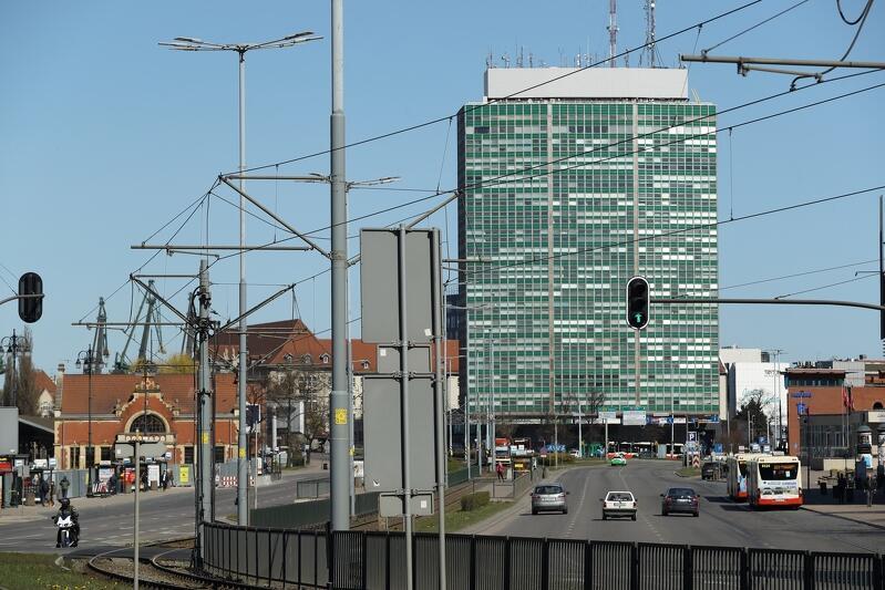 Zieleniak `czysty jak łza` - gdańskim biurowcem oczyszczonym z wielkoformatowej siatki reklamowej cieszymy się już od kwietnia 2020 roku