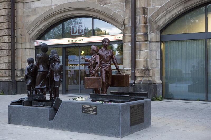 Pomnik kindertransportów, odsłonięty w 2015 roku w Hamburgu