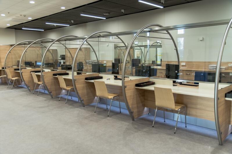 W nowej - przeniesionej z Wrzeszcza - siedzibie Wydziału Komunikacji w AmberExpo, do o dyspozycji klientów jest w sumie 26 stanowisk obsługi