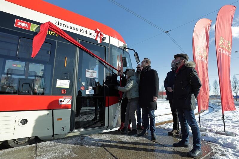 Uroczystość nadania imienia Hermanna Kullinga 63 już z kolei tramwajowi w Gdańsku