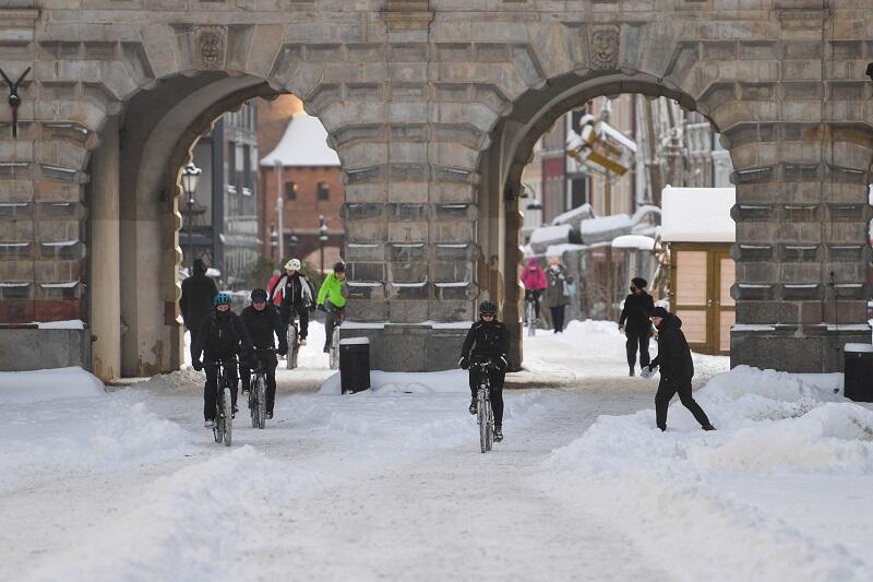 Rowerzyści na Długim Targu, 16 stycznia 2021
