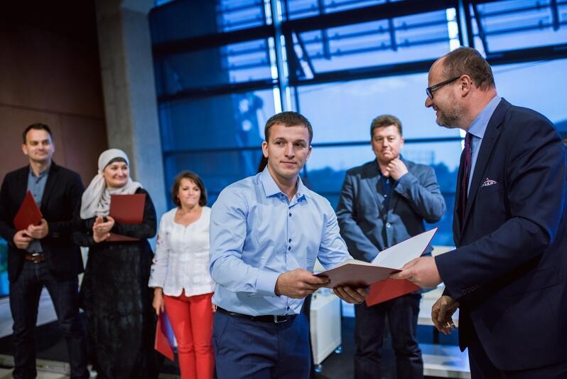 Prezydent Paweł Adamowicz i członkowie gdańskiej Rady Imigrantów w ECS, we wrześniu 2016 roku