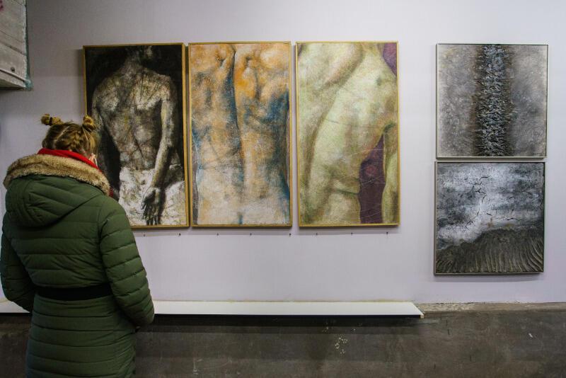 WL-4 jest miejscem rezydencji artystów oraz grup artystycznych działających w różnych obszarach sztuki