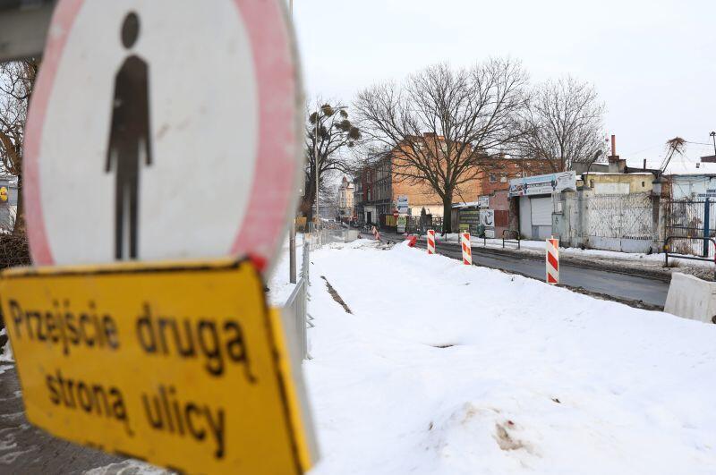 Na ul. Sandomierskiej GIWK prowadził prace związane z przebudową sieci wodociągowej